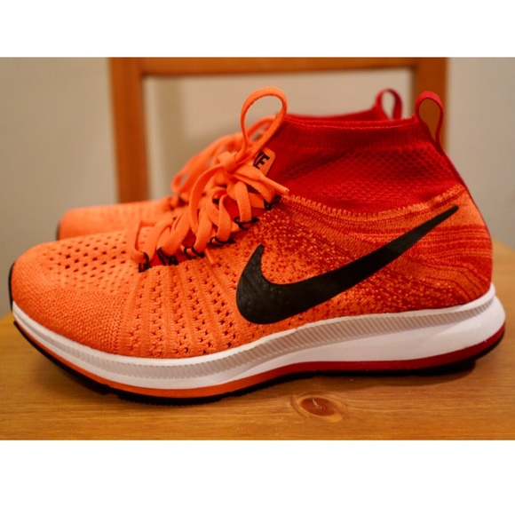 nike flyknit high top running shoes